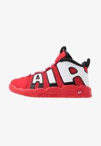 Nike Sportswear - AIR MORE UPTEMPO QS - Høye joggesko - red/white - 1