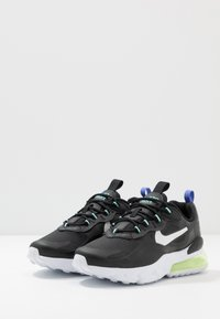 Nike Sportswear - AIR MAX 270 REACT - Baskets basses - black/dark smoke grey/laser crimson/voltage purple - 3