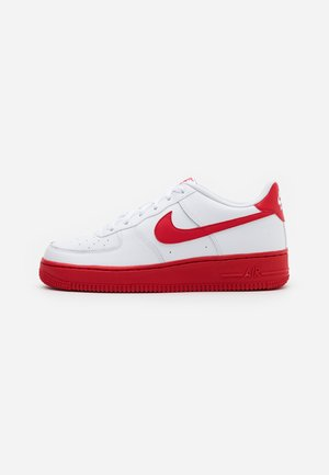 AIR FORCE 1 BRICK - Sneakersy niskie - white/university red/white