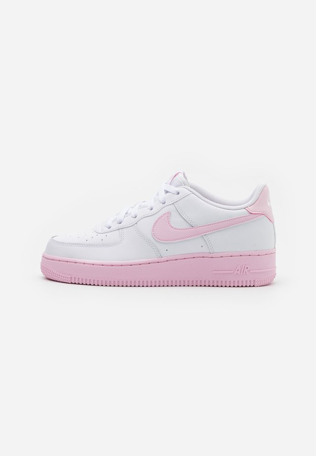 AIR FORCE 1 BRICK - Matalavartiset tennarit - white/pink