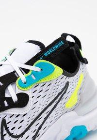 Nike Sportswear - REACT VISION WW - Tenisky - white/black/volt/blue fury - 5