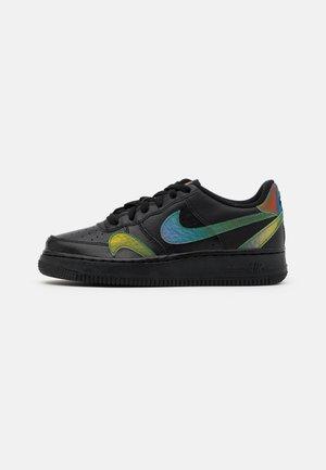 AIR FORCE 1 LV8 UNISEX - Sneakersy niskie - black/multicolor