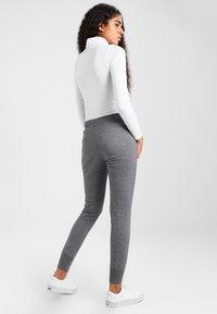 Nike Sportswear - PANT TIGHT - Teplákové kalhoty - charcoal heather/dark grey/white - 2