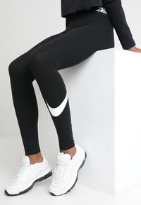 Nike Sportswear - CLUB  - Leggings - black/white - 4