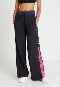 Nike Sportswear - Teplákové kalhoty - oil grey/black - 0
