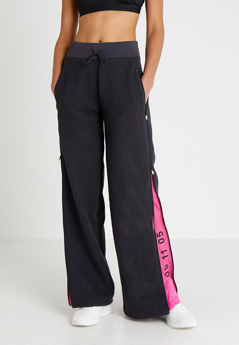 Nike Sportswear - Teplákové kalhoty - oil grey/black