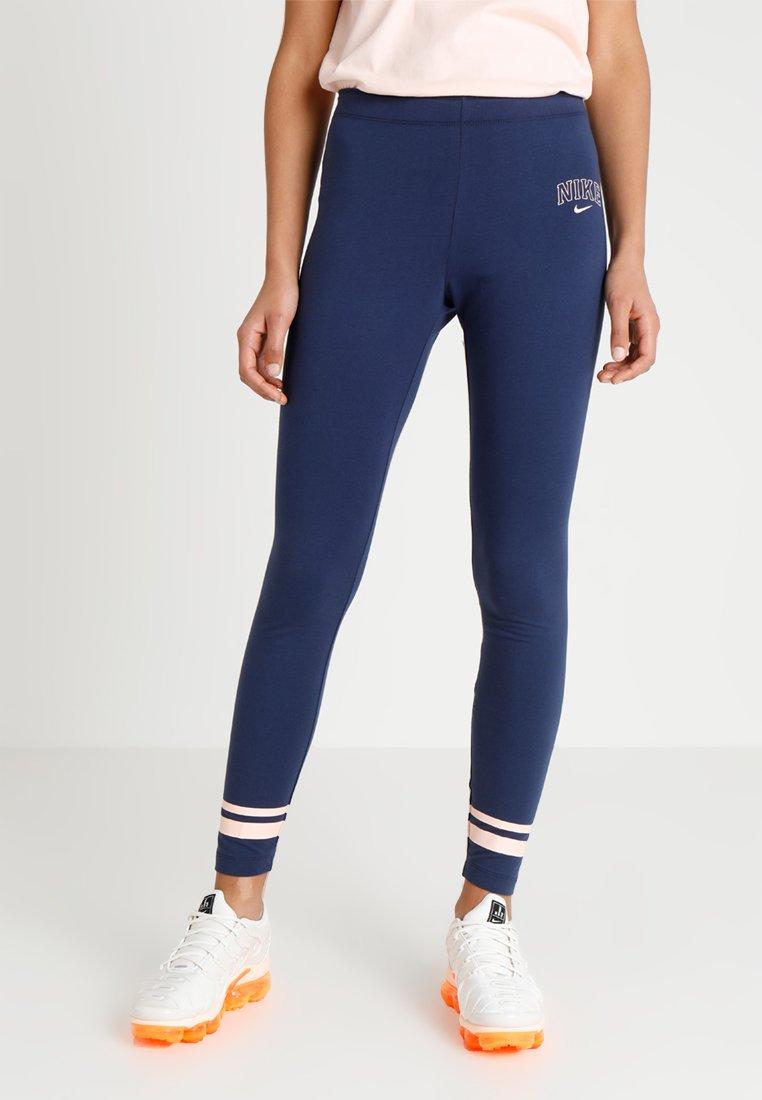 Nike Sportswear - Leggings - Hosen - midnight navy/washed coral