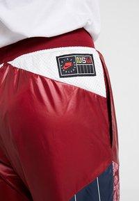 Nike Sportswear - PANT - Träningsbyxor - team red/pink rise - 4