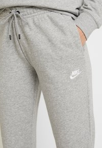 Nike Sportswear - Joggebukse - grey heather/white - 4