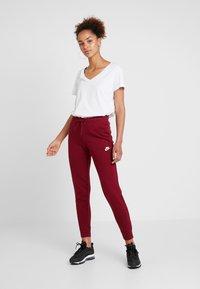 Nike Sportswear - Joggebukse -  red - 1