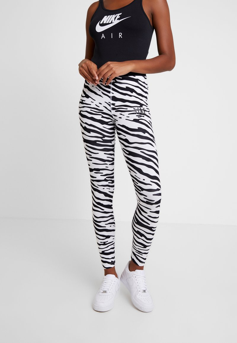 Nike Sportswear - Leggings - white/black
