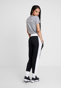 Nike Sportswear - AIR PANT - Pantalon de survêtement - black/birch heather/white - 2
