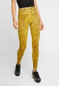 Nike Sportswear - Legging - speed yellow/black - 0