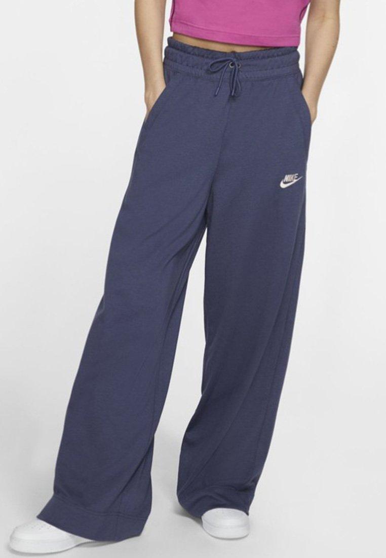 Nike Sportswear - Pantaloni sportivi - purple/pink