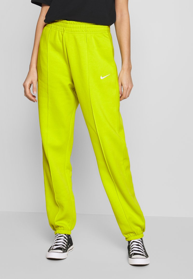 Nike Sportswear - PANT TREND - Tracksuit bottoms - bright cactus/(white)