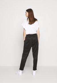 Nike Sportswear - PANT - Jogginghose - black/black/white - 2