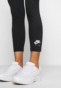 Nike Sportswear - Leggings - black/ice silver - 4