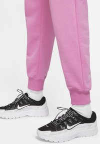 Nike Sportswear - AIR PANT - Tracksuit bottoms - magic flamingo/ice silver - 3