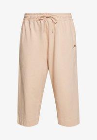 Nike Sportswear - CAPRI - Pantaloni sportivi - shimmer - 3