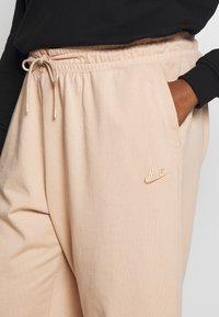 Nike Sportswear - CAPRI - Pantaloni sportivi - shimmer - 4