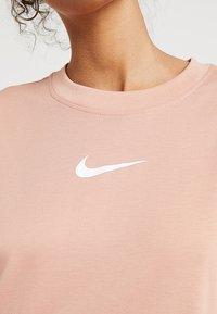 Nike Sportswear - DRESS - Žerzejové šaty - rose gold/white - 6