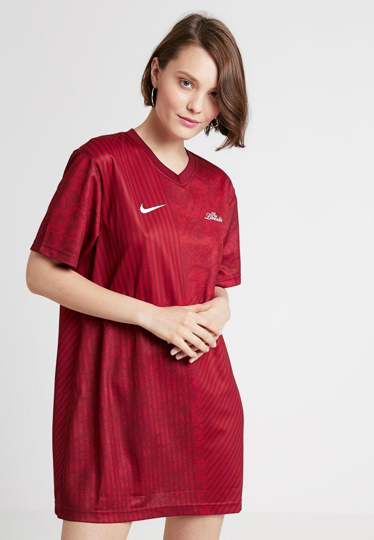 Nike Sportswear - DRESS - Jerseykleid - team red/red crush