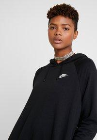 Nike Sportswear - W NSW ESSNTL FLC  - Sukienka z dżerseju - black - 3