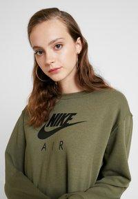 Nike Sportswear - AIR CREW  - Denní šaty - medium olive - 5