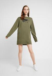 Nike Sportswear - AIR CREW  - Denní šaty - medium olive - 1