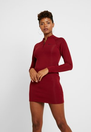 ESSENTIAL DRESS - Shift dress - team red/black