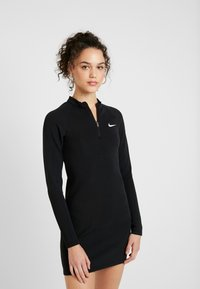 Nike Sportswear - W NSW ESSENTIAL LS - Etui-jurk - black/white - 0