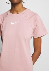 Nike Sportswear - DRESS UP IN AIR - Denní šaty - stone mauve - 5