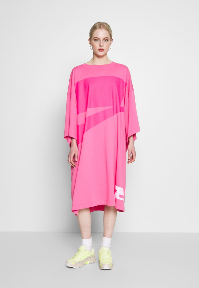 DRESS OVERSIZE - Jerseyjurk - pink