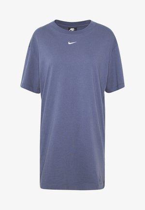 W NSW ESSNTL DRESS - Trikoomekko - diffused blue/white