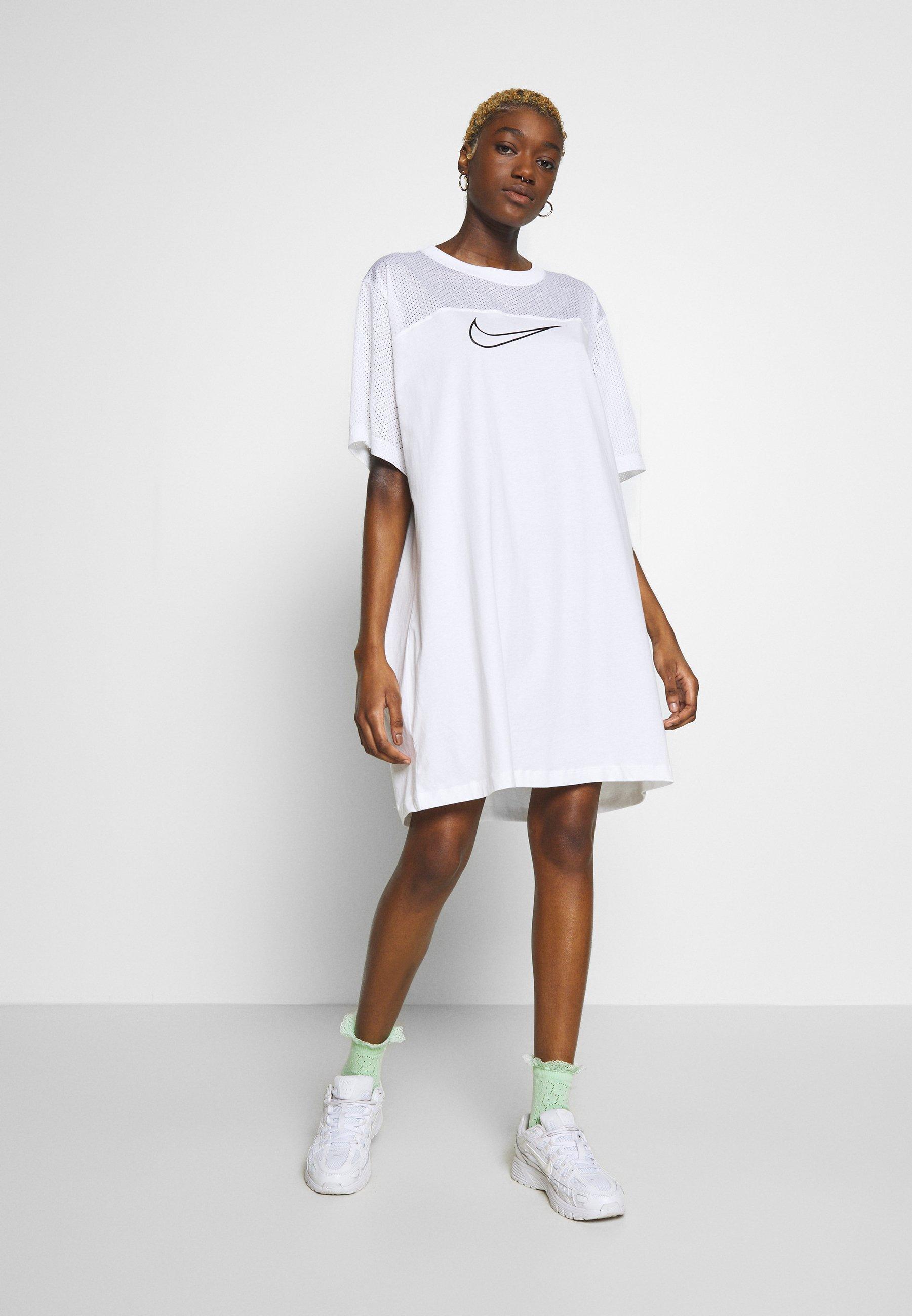 CORE PLUS Robe en jersey whiteblack