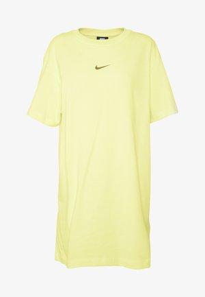 DRESS - Robe en jersey - luminous green
