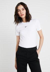 Nike Sportswear - W W NSW ESSNTL  - Jednoduché triko - white - 0
