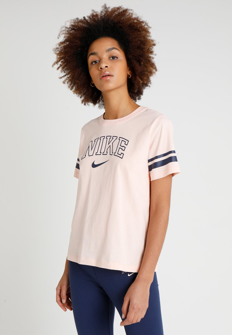 Nike Sportswear - T-Shirt print - washed coral/midnight navy