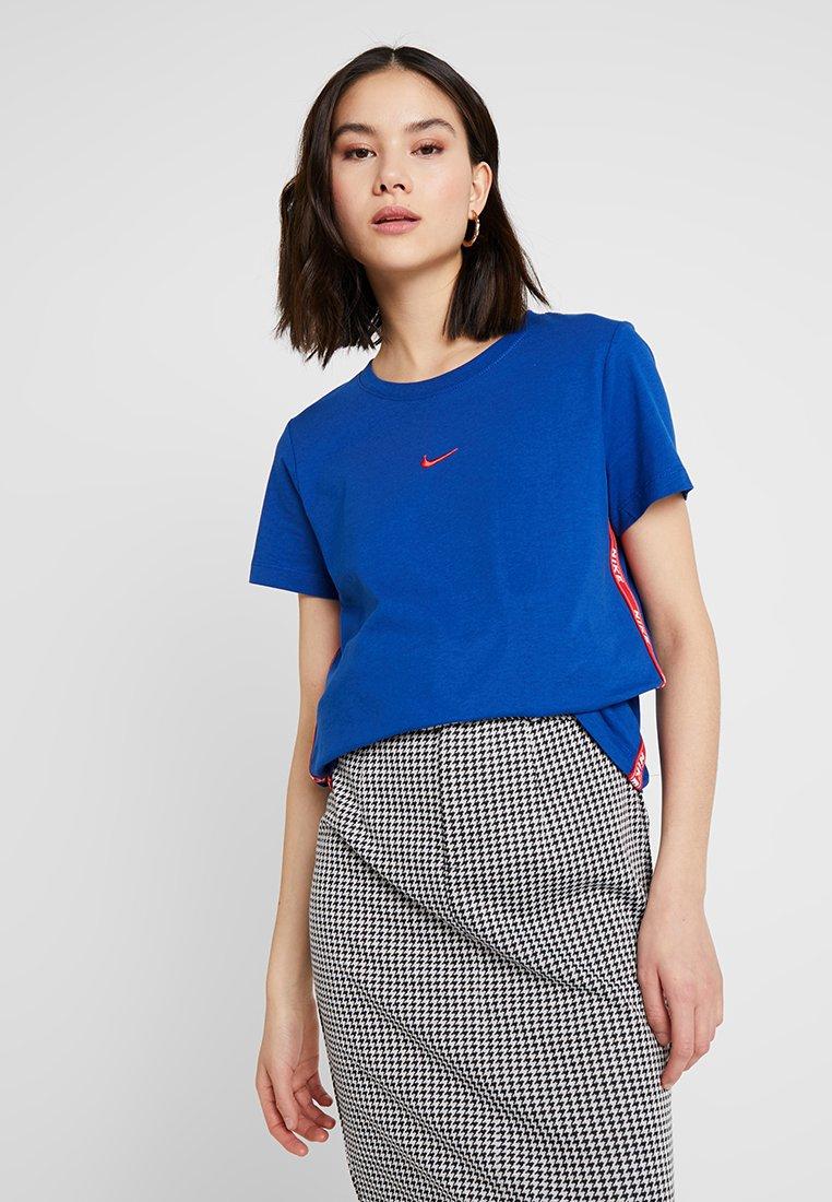 Nike Sportswear - TEE LOGO TAPE - T-shirts print - indigo force