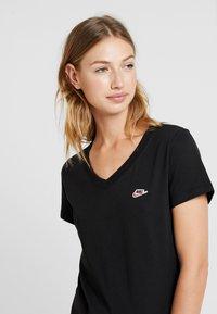 Nike Sportswear - TEE - T-shirt basique - black - 3