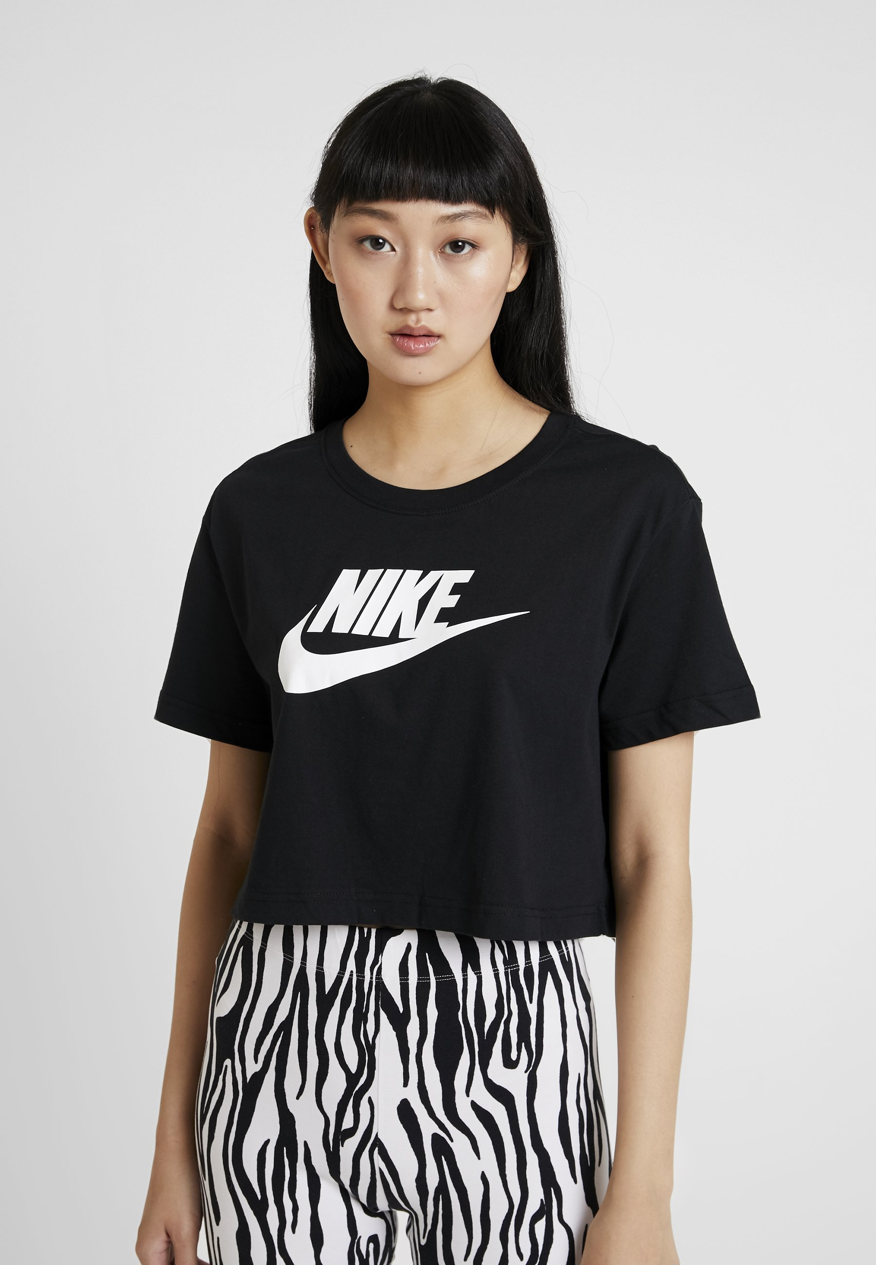 Nike Sportswear TEE - T-shirts med print - black/white