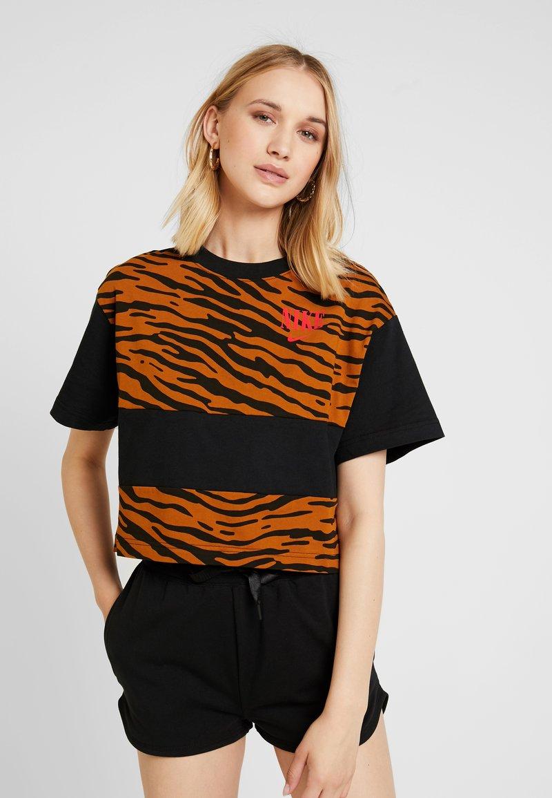 Nike Sportswear - T-Shirt print - black/university red
