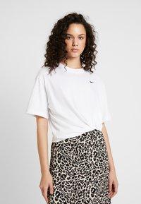 Nike Sportswear - Basic T-shirt - white/black - 0