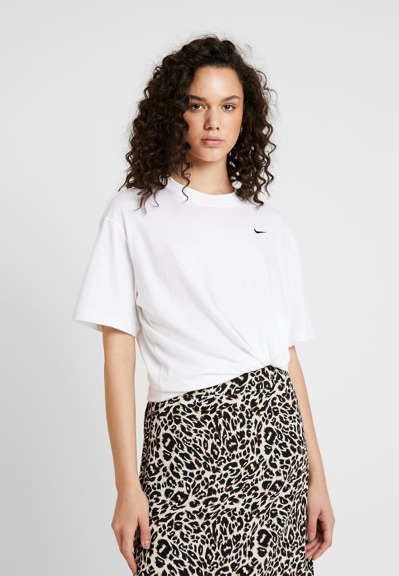 Nike Sportswear - Basic T-shirt - white/black