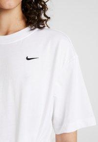 Nike Sportswear - Basic T-shirt - white/black - 4