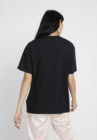 Nike Sportswear - Camiseta básica - black/white - 2