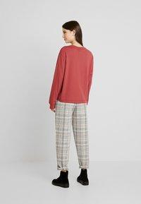 Nike Sportswear - AIR - Long sleeved top - cedar - 2