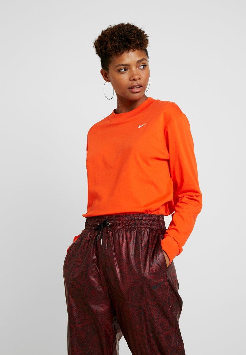 Nike Sportswear - Long sleeved top - team orange/white