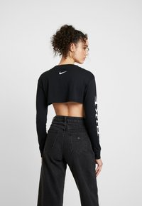 Nike Sportswear - LS CROP PYTHN - Long sleeved top - black/white - 2