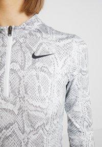 Nike Sportswear - Långärmad tröja - white/black - 4
